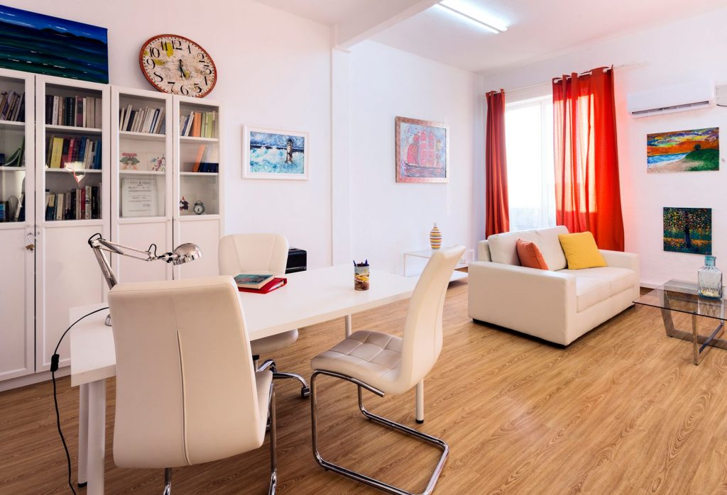 Psychologist in Utrera and Sevilla Center Nervion. Child and adult therapy, Sex therapy, Couples and Grief therapy.